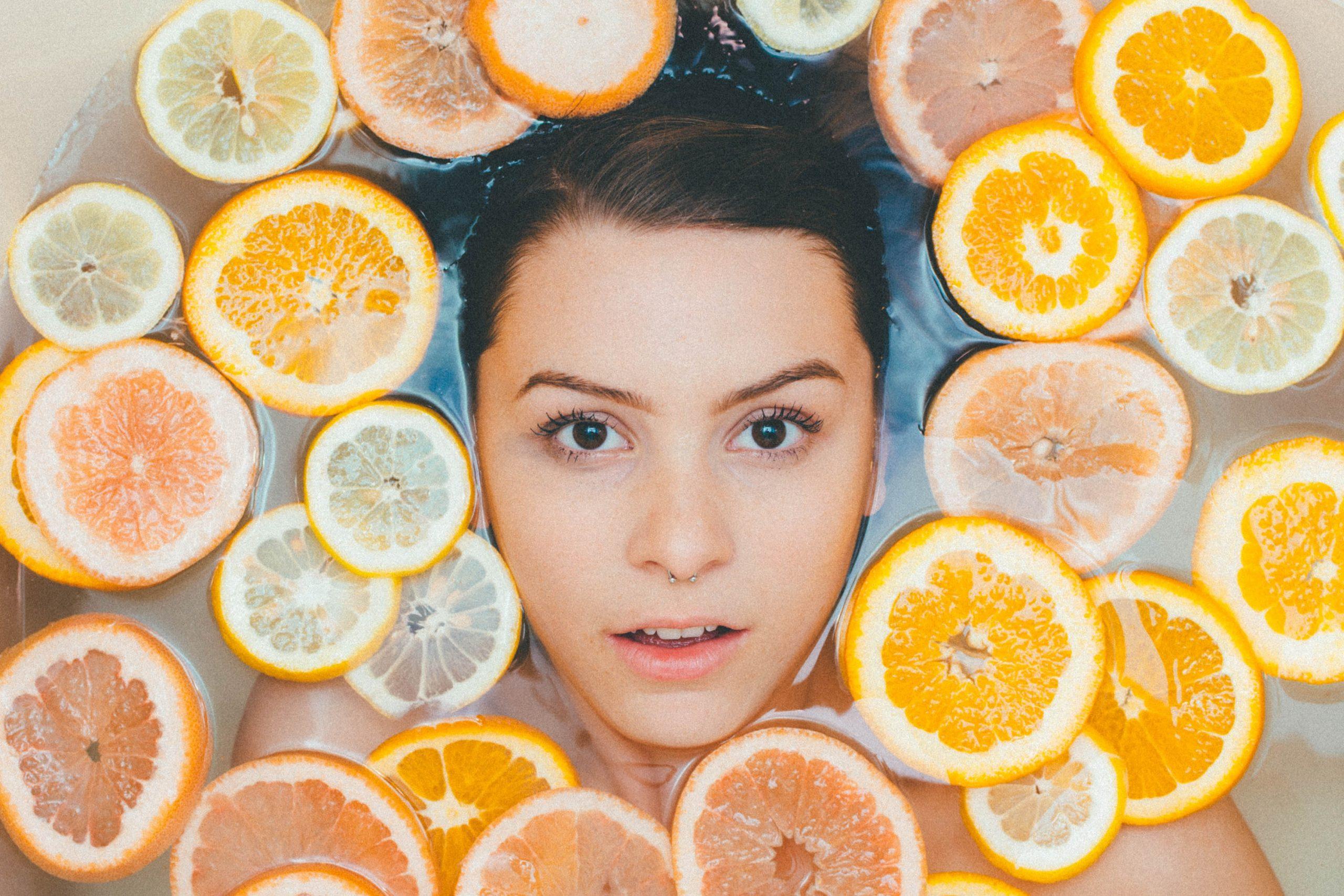 twarz i naturalne składniki kosmetyków